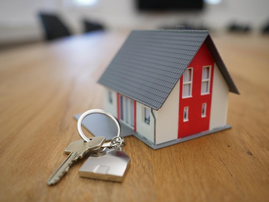 House figurine with keys